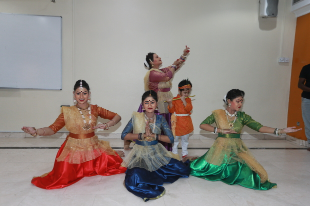 <p>Kathak performance at Iskon Temple</p>