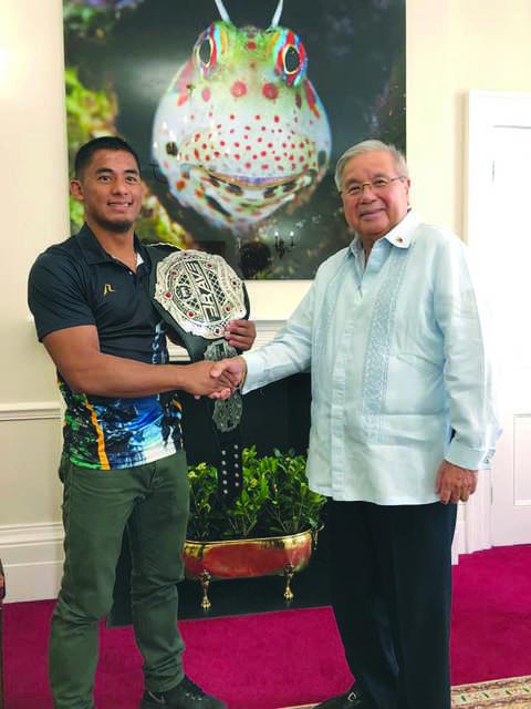 Loman set to defend title against Efrain