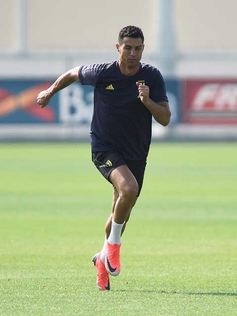 Ronaldo begins Juve quest for European glory