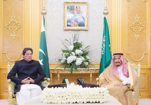 Saudi leaders hold talks with Pakistan PM