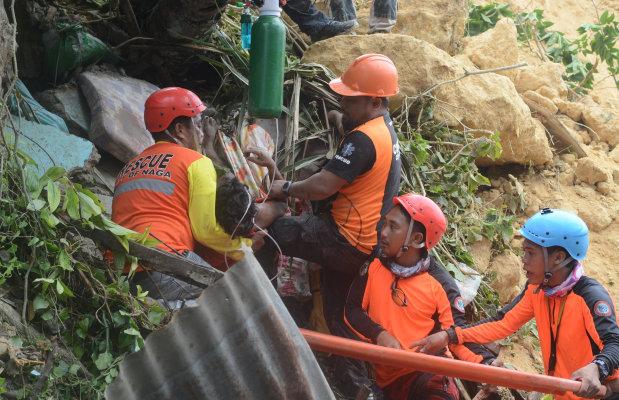 Six killed, dozens missing in new Philippine landslide