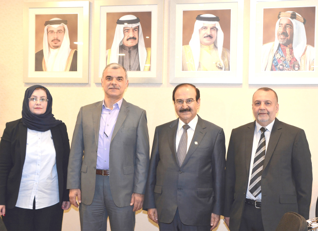 <p>Electricity and Water Affairs Minister Dr Abdulhussain Mirza received officials from Ernst & Young, led by director of consultancy services Sulaiman Ajawi.</p> <div>He was briefed on the internal audit work on the electricity and water sector and corporate governance.</div> <div></div> <div>Dr Mirza praised their efforts and long experience in internal audit services to ensure proper administrative and financial performance and give guidance to implement recommendations during the next phase.</div> <div></div> <div>Internal audit head at the Electricity and Water Authority Fouad Abdul Jalil Zainal was present.</div>