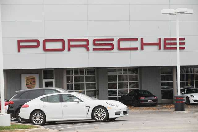 Porsche first German carmaker to abandon diesel engines
