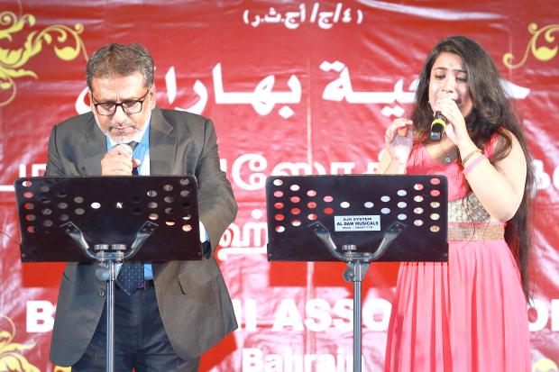 <p><em>Jaffar Sathick, Pavithra Padmakumarperform during the event.</em></p><p>Popular Tamil singers in Bahrain and classical dancer Oviya Ravichandran headlined Bharathi Association's Musical Extravaganza at Indian Club.</p>