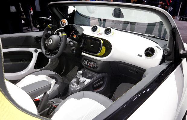 Motoring: PICTURES: Paris Motor Show