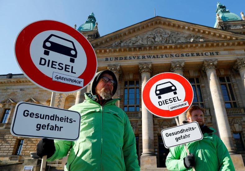 Carmakers and green groups see flaws in German diesel plan