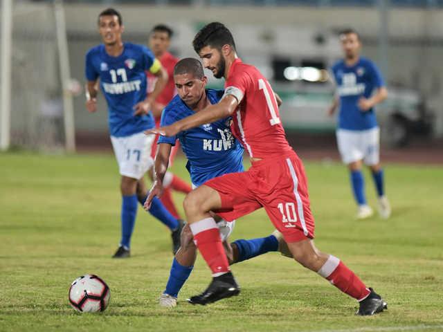 Bahrain hold off Kuwait in opener