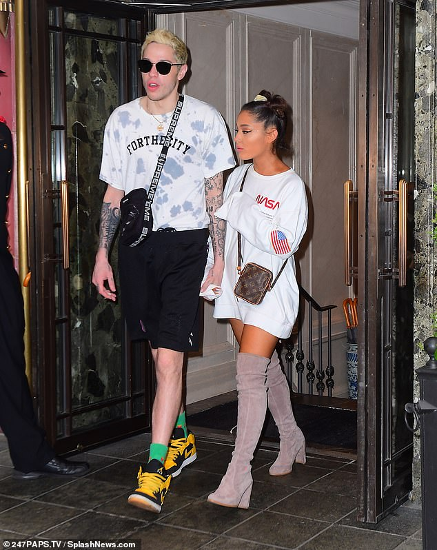 Ariana Grande breaks up with Pete Davidson