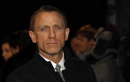 English journalist slammed for calling Daniel Craig 'emasculated bond'