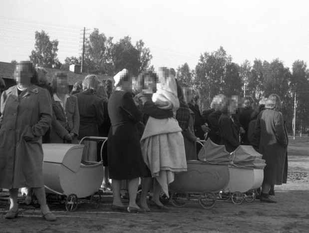 Norway apologises to mistreated war-time 'German girls'