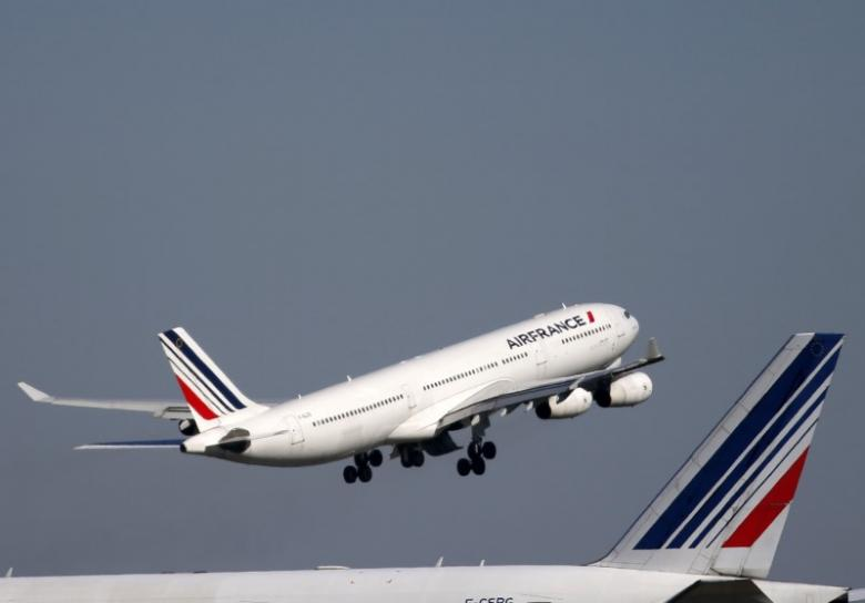 Air France, unions reach deal to end costly pay dispute