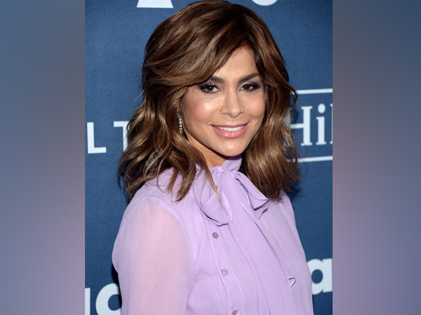 Paula Abdul falls off stage during performance