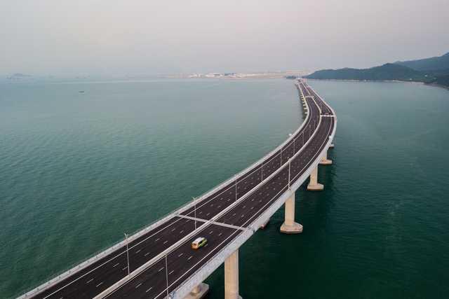 PICTURES & VIDEO: China's president inaugurates Hong Kong-mainland mega bridge