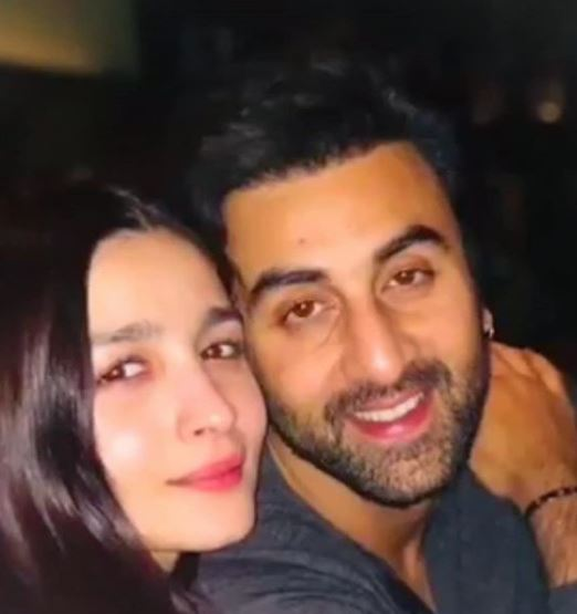 Bollywood: PHOTOS: Alia Bhatt with Ranbir Kapoor and his parents in New York