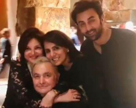 Bollywood: PHOTOS: Alia Bhatt with Ranbir Kapoor and his parents in New York