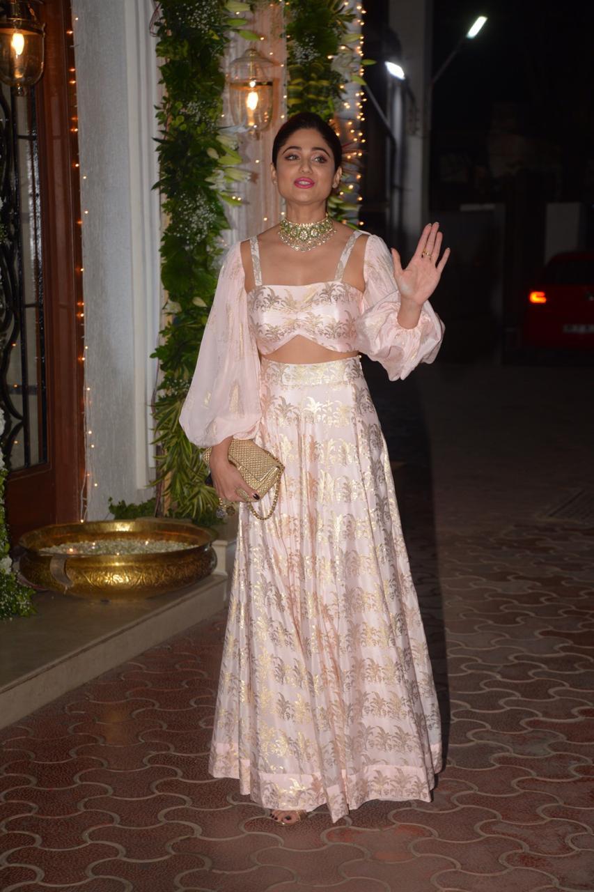 Bollywood: PHOTOS: From Salman Khan to Jacqueline Fernandez, Bollywood stars light up Shilpa Shetty's Diwali bash!