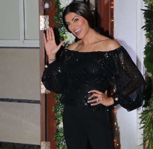 Bollywood: PHOTOS: From Salman Khan to Jacqueline Fernandez, Bollywood stars light up Shilpa Shetty's Diwali bash!