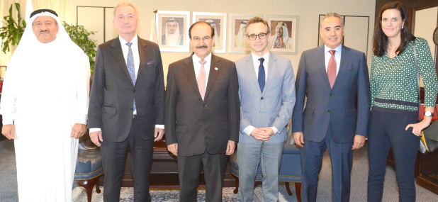 <p>Electricity and Water Affairs Minister Dr Abdulhussain Mirza yesterday received International Peace Institute president Terje Roed-Larson and Middle East and North Africa director of the institute Nejib Freji. The minister praised his diplomatic initiatives in promoting the culture of peace in the region. He also praised the role of the institute in providing research and studies aimed at promoting international peace. He briefed them on the plans and projects of the Electricity and Water Authority.</p>