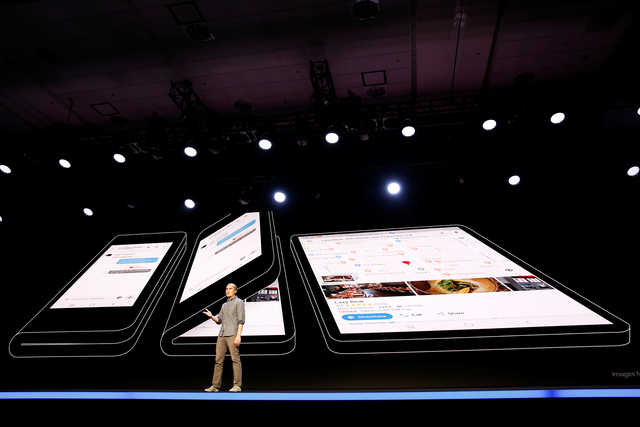 Tech Talk: PHOTOS: First glimpse of Samsung's foldable phone