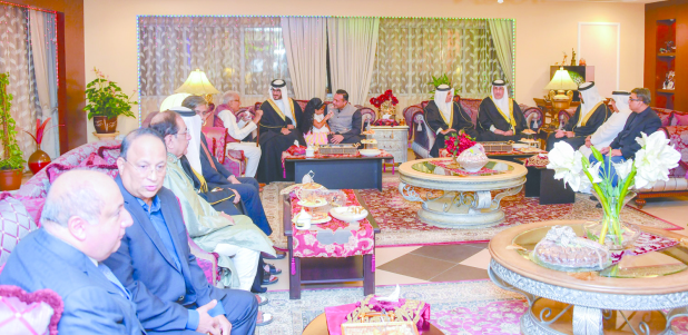 <p>On behalf of His Royal Highness Prince Salman bin Hamad Al Khalifa, Crown Prince, Deputy Supreme Commander and First Deputy Premier, Shaikh Isa bin Salman bin Hamad Al Khalifa yesterday visited the Kewalram, Asarpota, Haridas, Gajria, Thaker, and Muljimal families to mark Diwali.</p>
