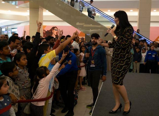 Bahrain News: VIDEO: KBC fans throng mall in Juffair