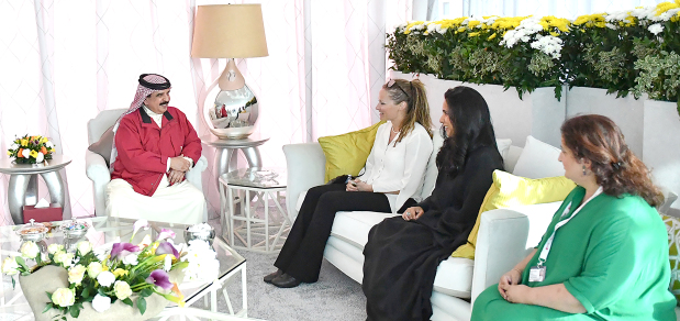 <p>His Majesty yesterday met SAP Africa innovation head Dr Adriana Marais, who is in Bahrain to attend Bahrain International Airshow. The King lauded Dr Marais' efforts in science and technology. He also pointed out the significance of the participation of major Arab and international aviation companies in the air show, which, he said, has greatly contributed to its success.</p>