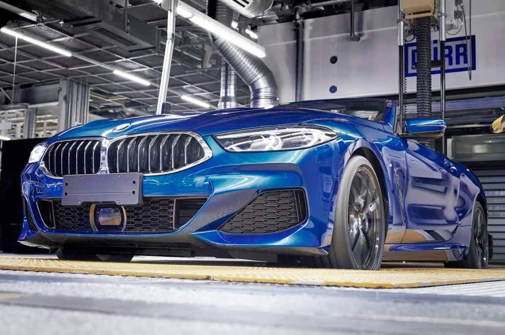 First BMW 8 Series Convertible rolls off the line in Dingolfing