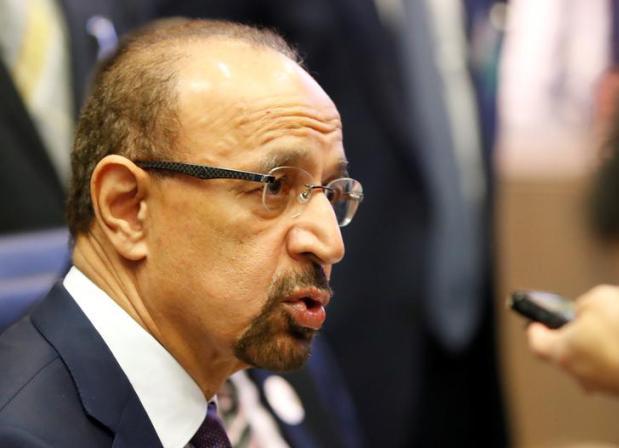 Oil sinks as OPEC mulls Iran supply cut exemption