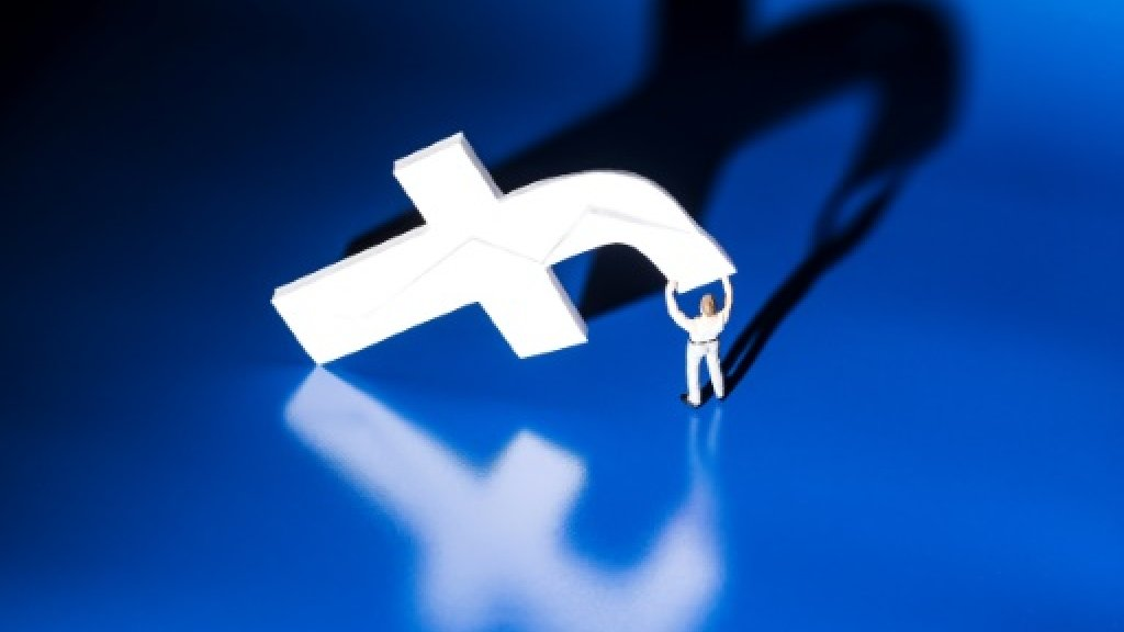Italy fines Facebook for selling users' data