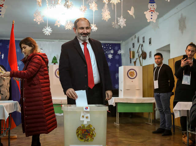 Acting Armenian PM's bloc easily wins parliamentary vote - commission