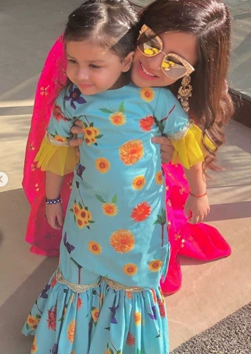 Celebs: SRK, Aamir, Aishwarya, Salman, Ranveer come together at Isha Ambani's sangeet!