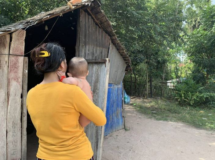 Freed from jail, Cambodian surrogate mothers raise Chinese children