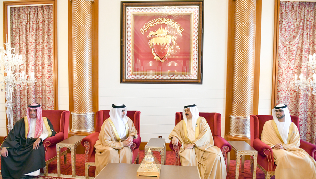 Photo Gallery: His Majesty receives UAE Deputy Premier