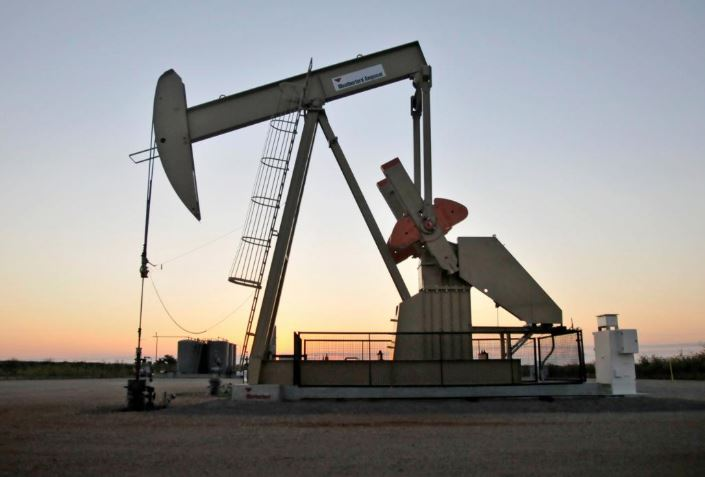 Kuwait says light crude production sits at 180,000 barrels per day