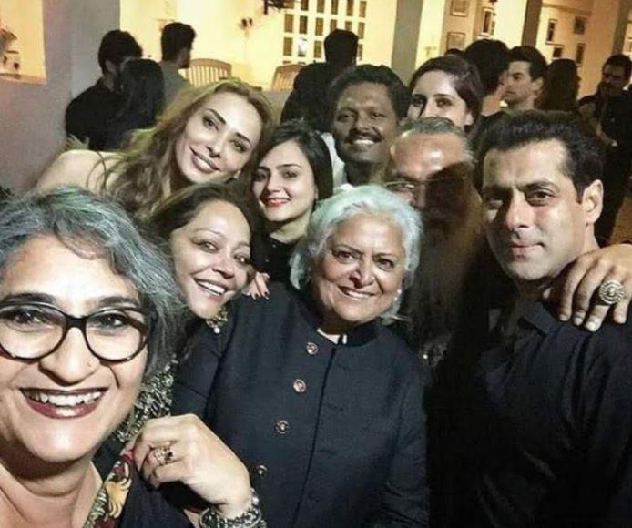 Celebs: Inside Salman's midnight birthday bash!