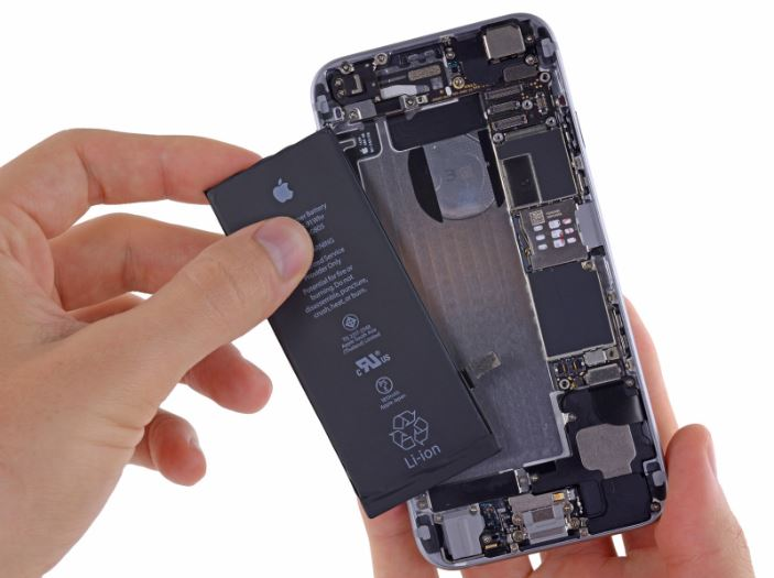 Apple iPhone battery replacement hurting sales: Tim Cook