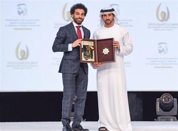 VIDEOS: UAE presents Liverpool striker Mohammed Salah with top athlete award