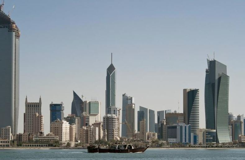 Kuwait shuts three ports in bad weather, oil ports unaffected