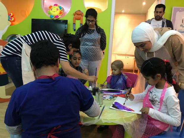 Painting workshop for children with cancer
