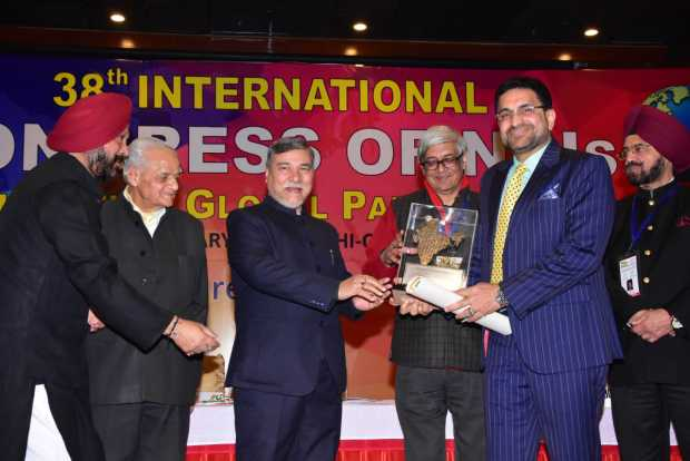 <p>A leading Bahrain-based businessman has won one of highest awards granted annually to non-resident persons of Indian origin (NRIs) by the NRI Welfare Society of India.</p> <p>Exelon and Sara Group managing director Mohammad Mansoor received the Hind Rattan Award at the 38th International Congress of NRIs last Friday on the eve of India's 70th Republic Day in New Delhi.</p> <p>Mr Mansoor was honoured for community service and raising the profile of NRIs. The congress is held annually in conjunction with the Pravasi Bharatiya Divas celebrations.</p>