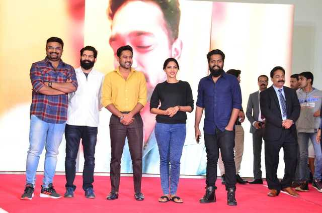 <p><em>Mr Ali, third from left, and Ms Lekshmi, second from right, with the team</em></p> <p>A large crowd gathered at Dana Mall for a meet-and-greet which hosted Malayalam film stars Asif Ali, Jis Joy, AishwaryaLekshmi, Balu Varghese and Seby George.</p> <p>The event, at the LuLu Hypermarket, was to celebrate the success of the south Indian movie Vijay Superum Pournamiyum, screened at Mukta Cinemas, Juffair Mall.</p>