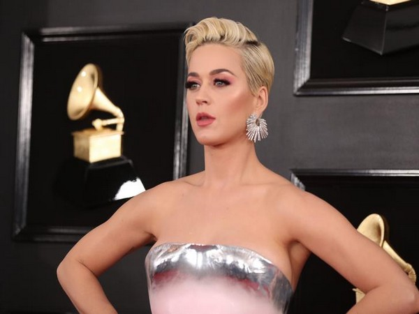 Katy Perry apologises for shoe designs resembling blackface