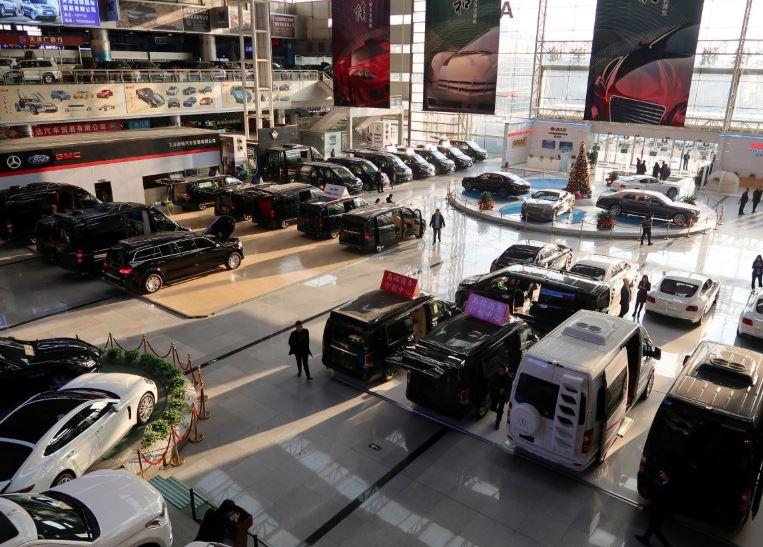 China's car sales tumble, road ahead bumpy