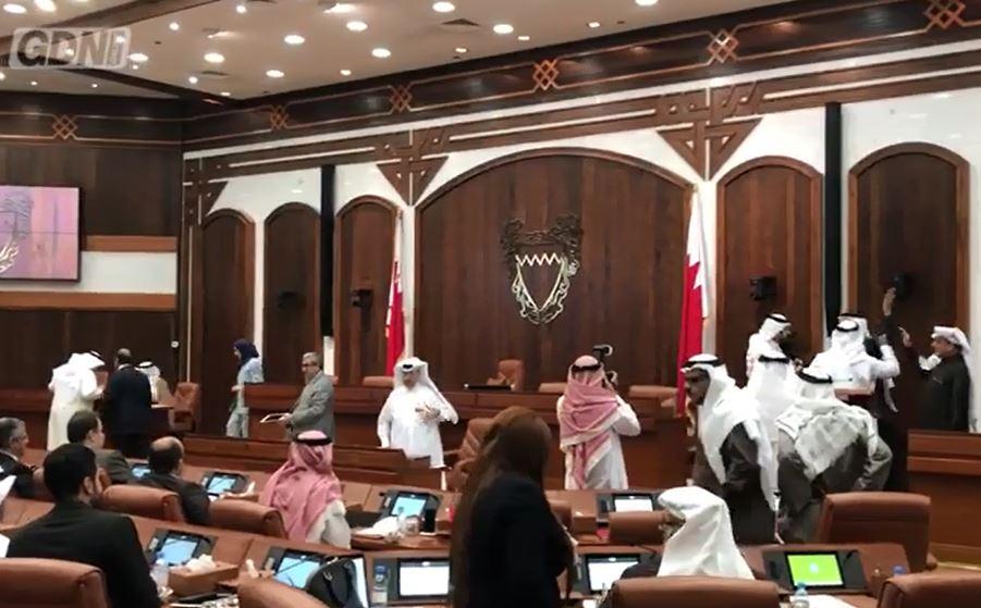VIDEO: Parliament descends into chaos