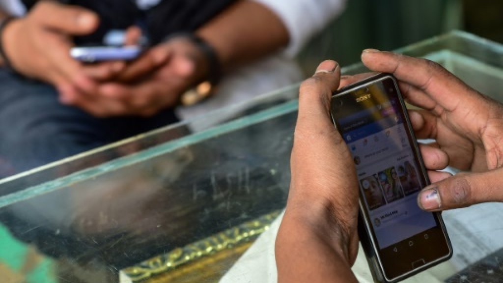 Bangladesh shuts 20,000 websites in anti-porn 'war'