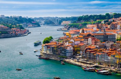 Emirates plans flights to Porto in Portugal