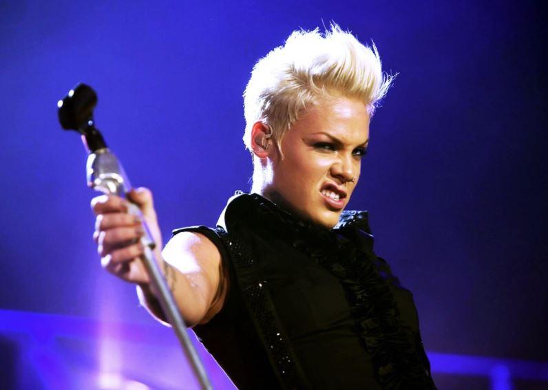 Pink to star at Brit awards