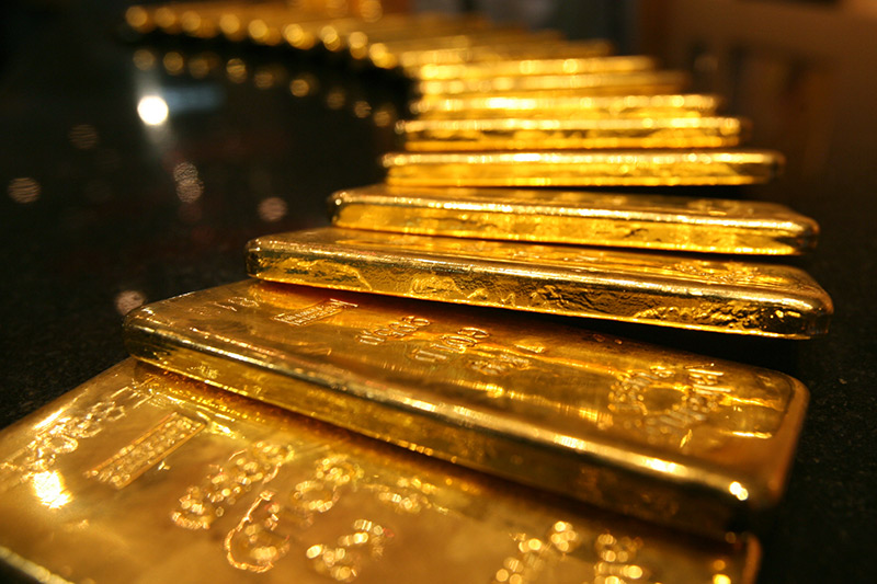 Gold up, USA  dollar dips on inflation data