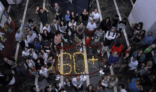 <p><em>Guests, visitors, students and hotel officials mark Earth Hour.</em></p><p><br></p><p><br></p>