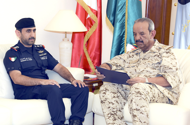 <p>BDF Commander-in-Chief Marshal Shaikh Khalifa bin Ahmed Al Khalifa yesterday received Naval Staff Colonel Mubarak Ali Al Sabah, Commander of the Combined Task Force (CTF-152). He praised the CTF-152's role in boosting maritime navigation security in the region.</p>